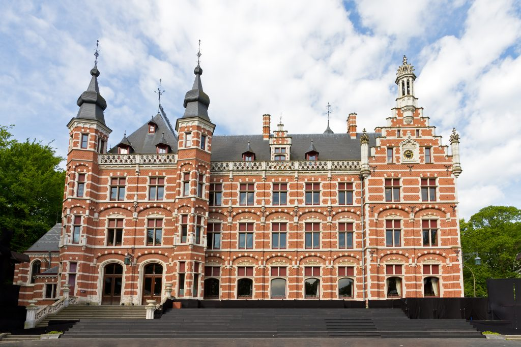 Ontvochtiging van archiefopslag in gemeentehuis