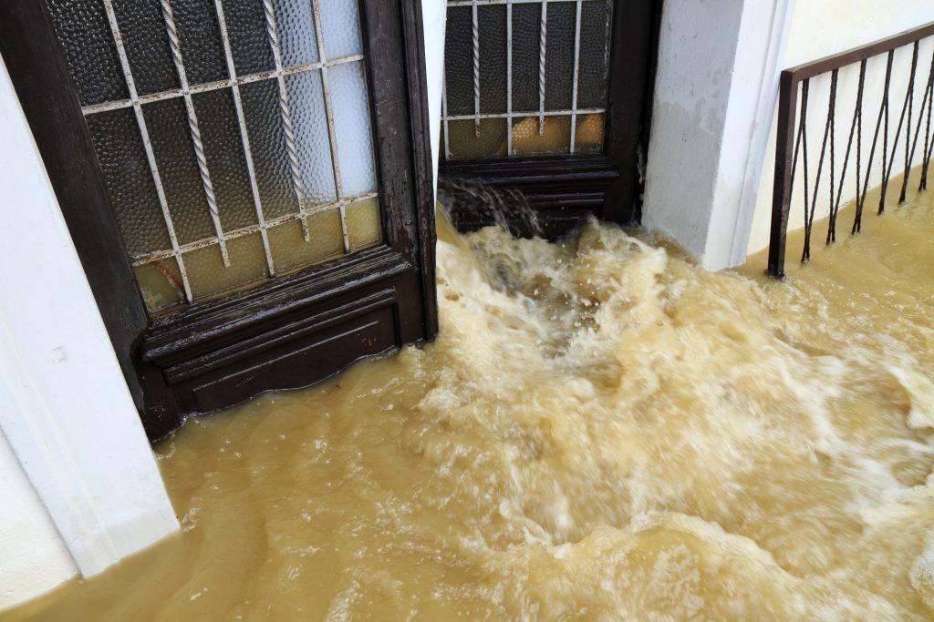 Dringende ontvochtiging na overstroming