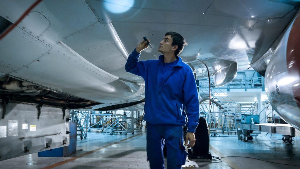 """Hoge-capaciteit """"Roof Top"""" airconditioning voorkomt ramp bij vliegtuigonderdeelfabrikant"""