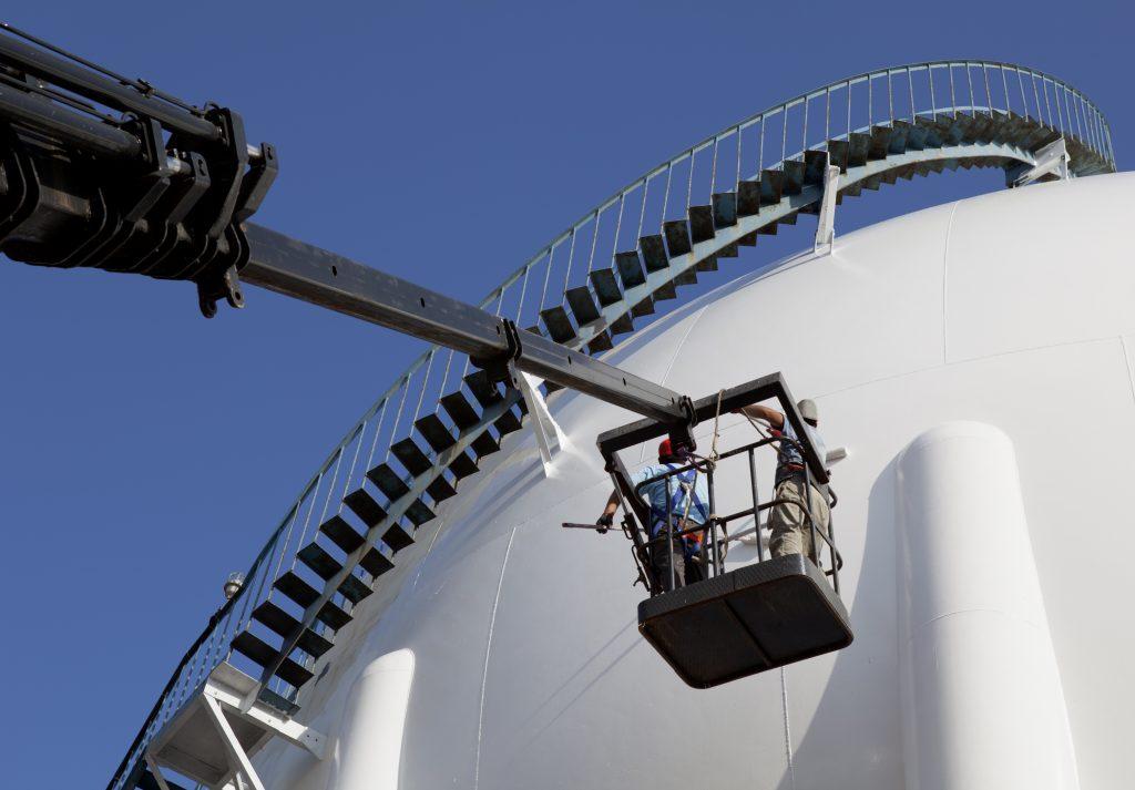 Andrews assisteert met droging bij onderhoudswerkzaamheden van opslagtanks